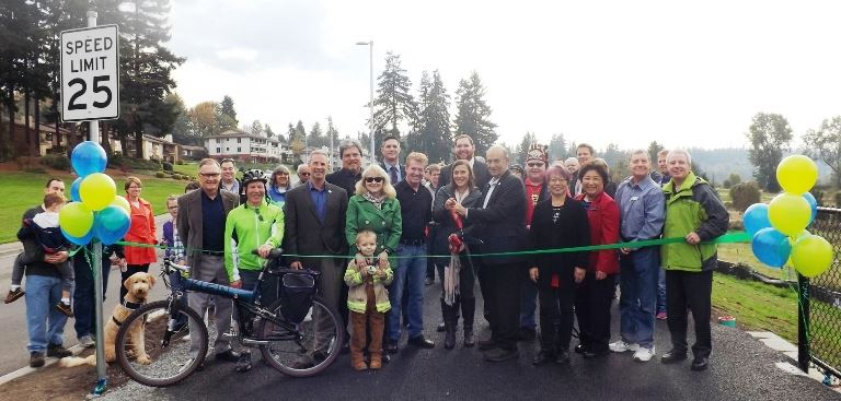 Lakeview Trail Ribbon Cutting