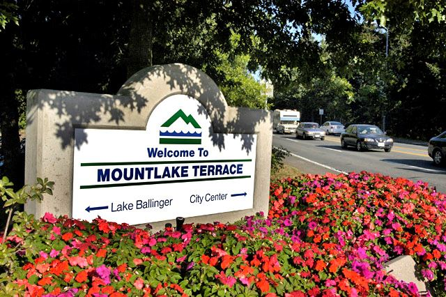 Mountlake Terrace Welcome Sign